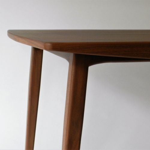 Table Marguerite